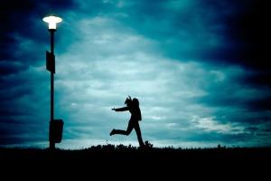silhouettegirlrunning